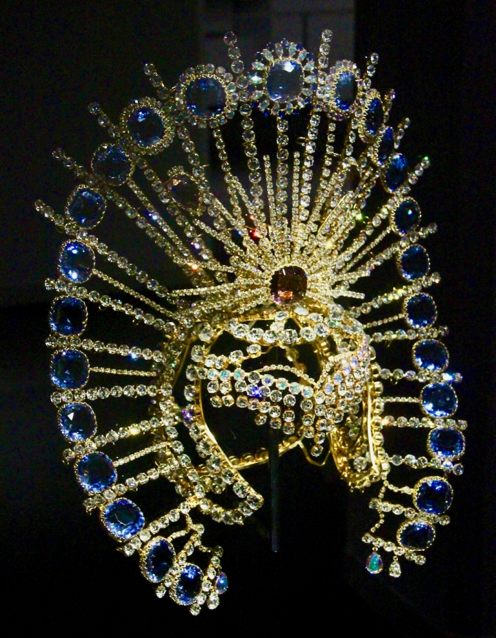 Swarovski crystal headress by Gaultier laurie best photo