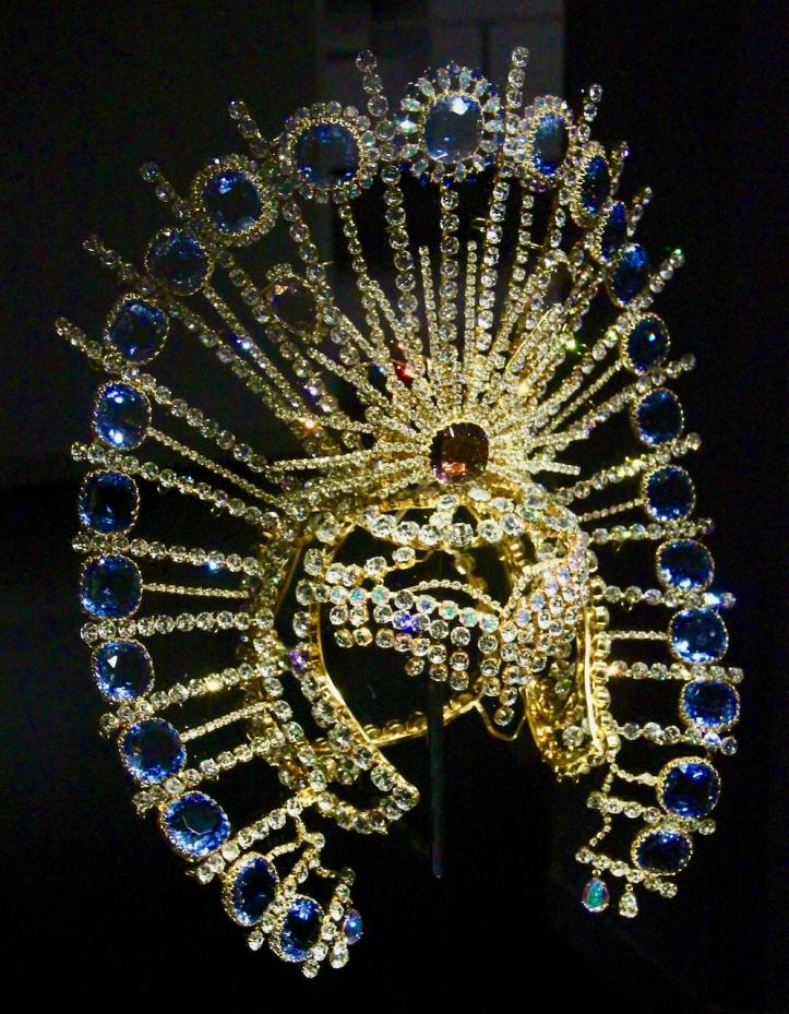 Swarovski crystal headress by Gaultier laurie best photo